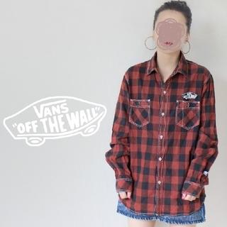 ヴァンズ(VANS)の【激レア!】90s VANS 黒 ✖ オレンジ チェックシャツ 刺繍ワッペン(Tシャツ(長袖/七分))