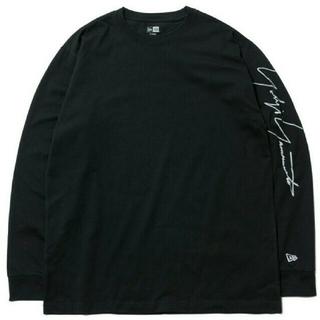 ヨウジヤマモト(Yohji Yamamoto)のYohji Yamamoto New Era シグネチャーロゴ 長袖Tシャツ(Tシャツ/カットソー(七分/長袖))