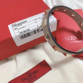 ヴァレンティノ(VALENTINO)のVALENTINO ロックスタッズ ブレスレット(ブレスレット/バングル)