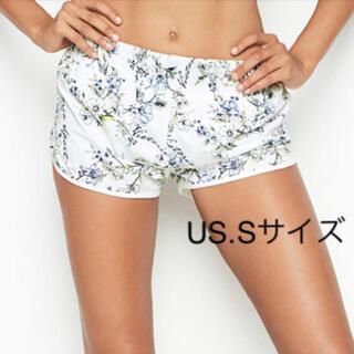 ヴィクトリアズシークレット(Victoria's Secret)のランニングショーツ ショートパンツ(ショートパンツ)