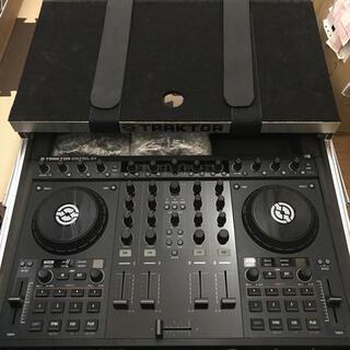 Native instruments TORAKTOR S4(DJコントローラー)