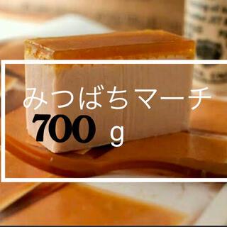 ラッシュ(LUSH)のみつばちマーチ lush 石鹸 700g以上(ボディソープ/石鹸)