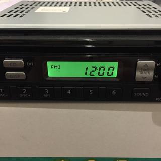 スズキ(スズキ)のスズキ 純正 カーオーディオ AM/FM CD 20ピン(カーオーディオ)