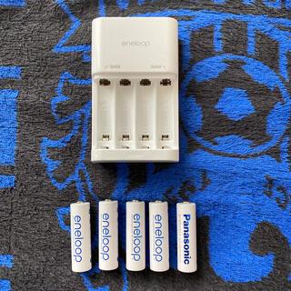 サンヨー(SANYO)のエネループ単3x5本 充電器(バッテリー/充電器)