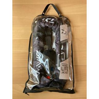 ダイワ(DAIWA)のダイワ  ライフジャケット ブラックカモ柄 DF-2007(ウエア)