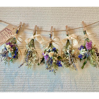お花たっぷりドライフラワー スワッグ ガーランド❁146ブルー紫ラベンダー花束(ドライフラワー)
