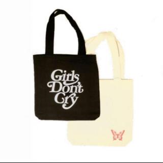 ジーディーシー(GDC)のVERDY Girls Don't Cry ロゴトートバッグブラック 伊勢丹限定(トートバッグ)