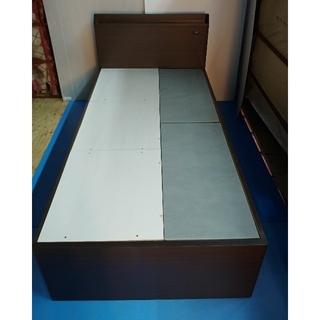 ニトリ(ニトリ)のシングルベッド ハイタイプ 引き出し深め×2 2段×1 ブラウン(シングルベッド)