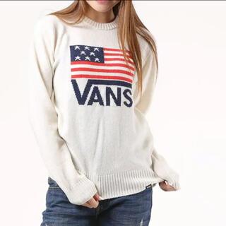 ヴァンズ(VANS)のVANS バンズ アメリカ国旗×ロゴオフホワイトセーター/M(ニット/セーター)