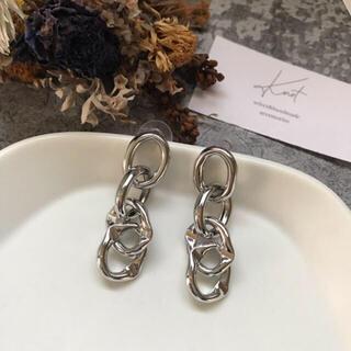 アズールバイマウジー(AZUL by moussy)のnuance chain pirce-silver-(ピアス)