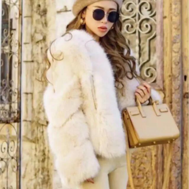 eimy istoire(エイミーイストワール)の新品 グラムリップス ファー切替アウター レディースのジャケット/アウター(毛皮/ファーコート)の商品写真