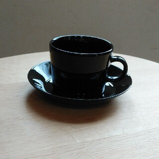 イッタラ(iittala)のイッタラ ティーマ コーヒー カップ&ソーサー 黒 (食器)