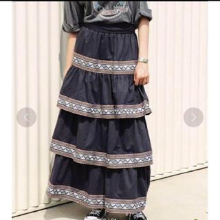 アリシアスタン(ALEXIA STAM)のAlexiastam Tiered Maxi Skirt  charcoal(ロングスカート)