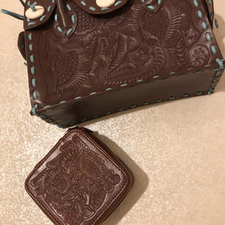 グレースコンチネンタル(GRACE CONTINENTAL)のカービングトライブス Jewelry case SQ(ポーチ)