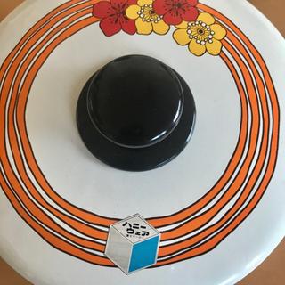 フジホーロー(富士ホーロー)のクインビーハニーウェア 富士琺瑯 両手鍋 リボンフラワー 20cm(鍋/フライパン)