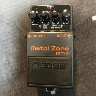 ボス(BOSS)のメタルゾーン mt-2   BOSS(エフェクター)