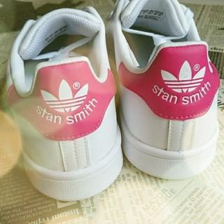 アディダス(adidas)の☆送料込24.5cm☆日本未発売 アディダス スタンスミス ピンク(スニーカー)