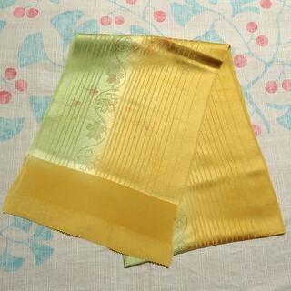 黄色と緑のぼかしに金箔の花籠 帯揚げ(和装小物)