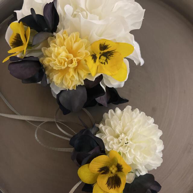 toytoy661 大小親子コサージュ セット 【白ビオラ黄色】卒業式 入学式 ハンドメイドのアクセサリー(コサージュ/ブローチ)の商品写真
