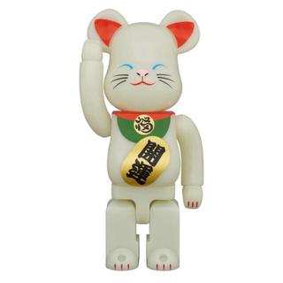 メディコムトイ(MEDICOM TOY)のBE@RBRIC 招き猫 蓄光 弐 400% ベアブリック ①(その他)