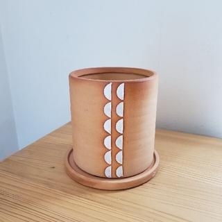 ベイフロー(BAYFLOW)のネイティブ柄植木鉢(受け皿付き)(花瓶)