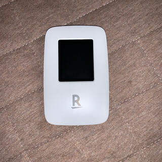 ラクテン(Rakuten)のRakuten WiFi Pocket 楽天rakuten モバイルルーター(PC周辺機器)