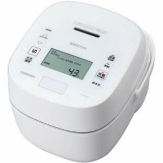 パナソニック(Panasonic)の【新品未使用】東芝 炊飯器 RC-10VSP〈ホワイト〉(炊飯器)