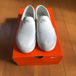 ナイキ(NIKE)の靴(スリッポン)