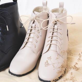 シマムラ(しまむら)の新品 未使用品 タグ付 プチプラのあや 編み上げ ブーツ 3L エクリュ 白(ブーツ)