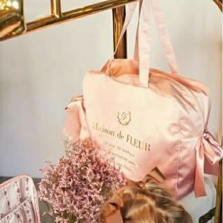 メゾンドフルール(Maison de FLEUR)の【新品】メゾンドフルール トラベルキャリーオン ボストンバッグ Lサイズ ピンク(ボストンバッグ)