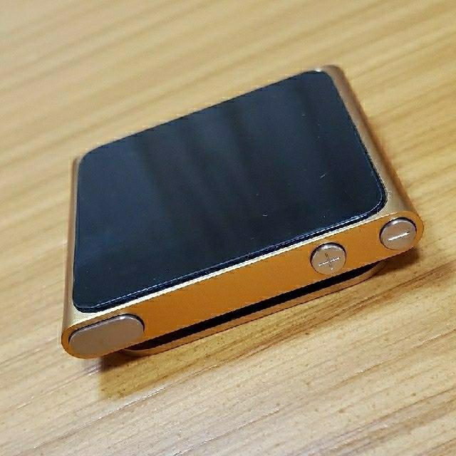 iPod(アイポッド)のiPod nano 第6世代 8GB オレンジ スマホ/家電/カメラのオーディオ機器(ポータブルプレーヤー)の商品写真