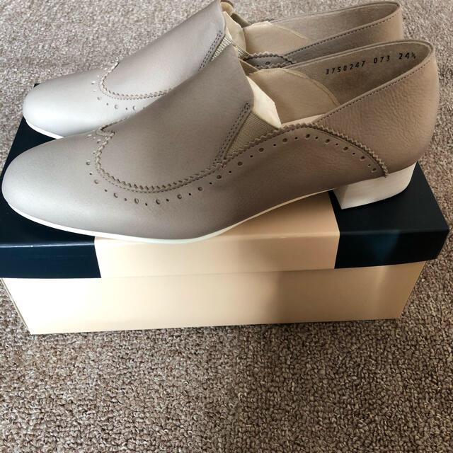 cavacava(サヴァサヴァ)のアプレ apres レザースリッポンシューズ  ライトグレー レディースの靴/シューズ(スリッポン/モカシン)の商品写真