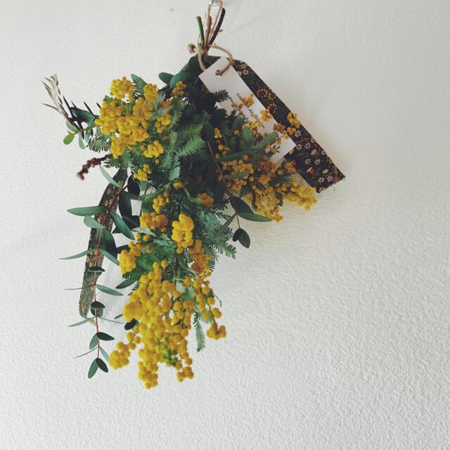 2021 mimosa 5ミモザとユーカリのスワッグWilliam Morris ハンドメイドのフラワー/ガーデン(ドライフラワー)の商品写真