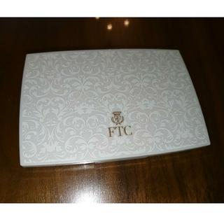 エフティーシー(FTC)のFTC UV FFパウダープラチナム フェイスパウダー フェリーチェ十和子(フェイスパウダー)
