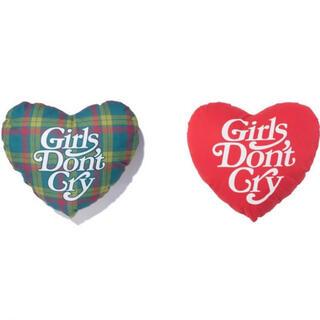 ジーディーシー(GDC)のVERDY'S GIFT SHOP 伊勢丹 クッション 画像左チェック柄のみ(クッション)