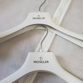 モンクレール(MONCLER)の☆MONCLER ハンガー2本&衣装カバー1枚(その他)
