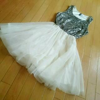 エイチアンドエム(H&M)のドレス ワンピース(ミディアムドレス)