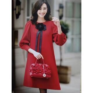 エムズグレイシー(M'S GRACY)のエムズグレイシーワンピース 新品未使用 カタログ 赤 38(ひざ丈スカート)