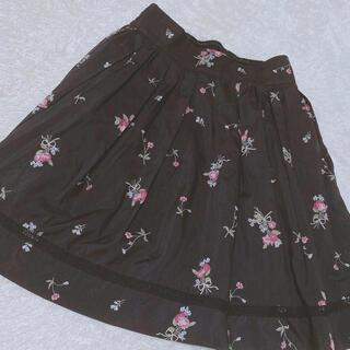 ロディスポット(LODISPOTTO)のLODISPOTTO♡ブラックフラワースカート(ミニスカート)