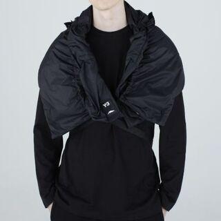 ヨウジヤマモト(Yohji Yamamoto)の新品Y-3超軽量プリマロフトバックルクロージャースカーフ(ストール)