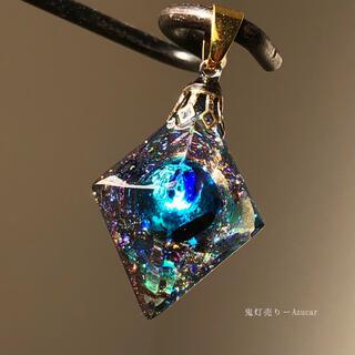 愛色世界への入り口。 オルゴナイト 8面体 蓄光蛍ガラス ネックレス 宇宙レジン(ネックレス)