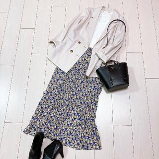 イエナスローブ(IENA SLOBE)の大人可愛いジャケットコーデ♡イエナヤング&オルセンカットソー花柄ロングスカート(テーラードジャケット)