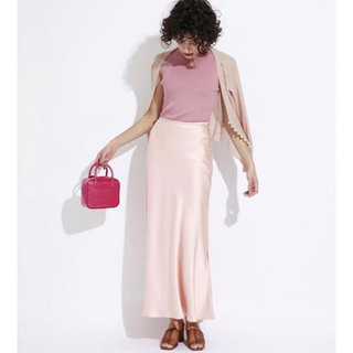 スナイデル(snidel)のSNIDEL正規品サテンロングスカート ナロースカート ピンク(ロングスカート)