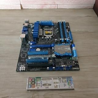 エイスース(ASUS)のマザーボードASUS P8Z77-V  ジャンク品?!(PCパーツ)