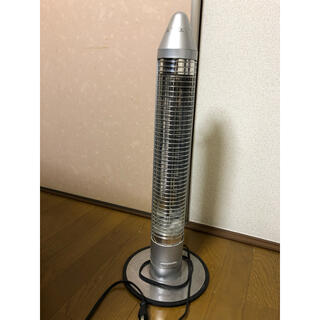 コイズミ(KOIZUMI)のコイズミ 遠赤電気ストーブ KKS-0640 シルバー(電気ヒーター)