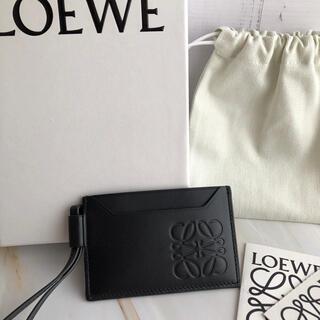 ロエベ(LOEWE)の新品!LOEWE ストラップ付き カードケース パスケース ブラック(名刺入れ/定期入れ)