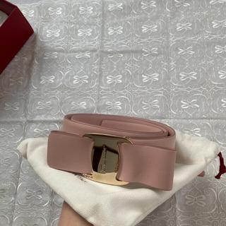 フェラガモ(Ferragamo)の【新品・未使用】ヴァラ  薄めのピンク色 ベルト(ベルト)