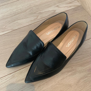 マミアン(MAMIAN)のMAMIAN ポインテッドトゥ フラットシューズ(ローファー/革靴)