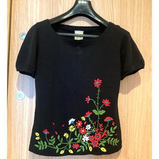 シビラ(Sybilla)のSybilla❤️シビラ新品未使用 刺繍トップス 黒 サイズM(カットソー(半袖/袖なし))