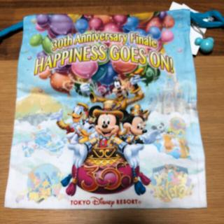 ディズニー(Disney)のTDRディズニー 巾着袋 マスコットボールチェーン付き ミッキー(キャラクターグッズ)